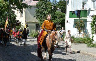 У Луцьку туристичний сезон стартував по-князівськи (фото)