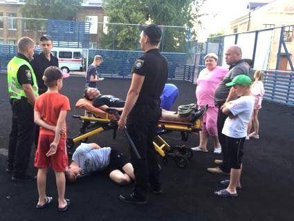 На Житомирщині підлітки жорстоко побили восьмикласника: копали в живіт, лили на голову пиво