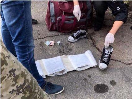 «Гостинець»: віз українські коноплі європейським наркоманам