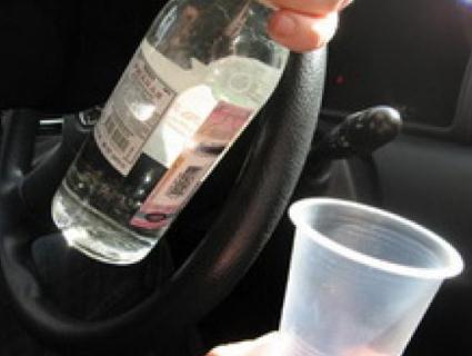 На Волині взялися за людей, що розпивають алкоголь у громадських місцях