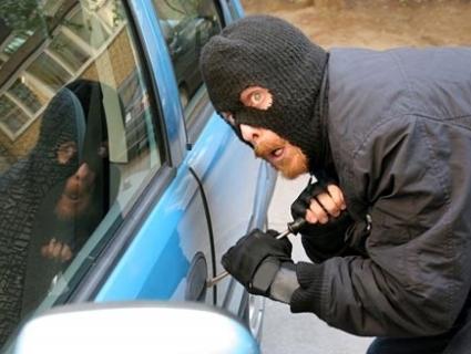 Гастролер із Луцька «чистив» машини в Житомирі