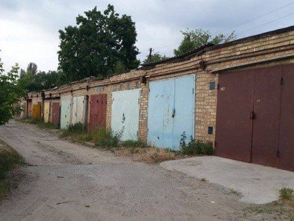 У Житомирі бандити тримали в гаражі столичного бізнесмена, вимагаючи переписати на них майно