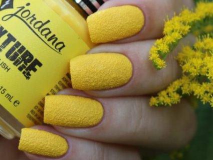 Топ-6 відтінків лаку для нігтів