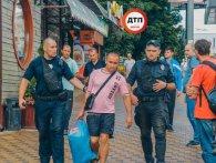 В Києві продавець шаурми рубанув клієнта мачете