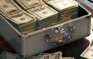 У Польщі банки полюють за українцями