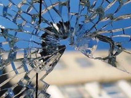 У Франківську невідомі стрільці обстріляли тролейбус із пасажирами
