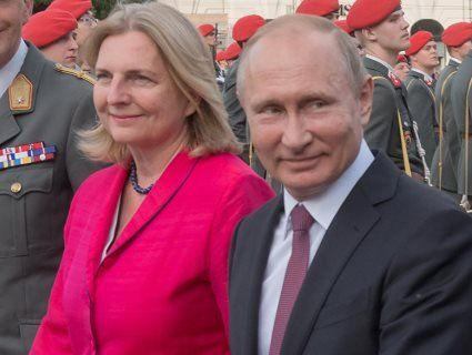 Володимир Путін погуляє на весіллі міністра закордонних справ Австрії