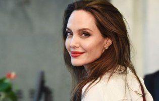Анджеліна Джолі попрощалася зі своїм адвокатом