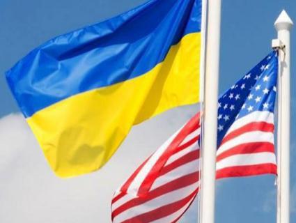 Українські посадовці летять на похорон Маккейна