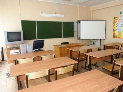 У Києві, через погану оцінку, учень з ножицями напав на вчительку