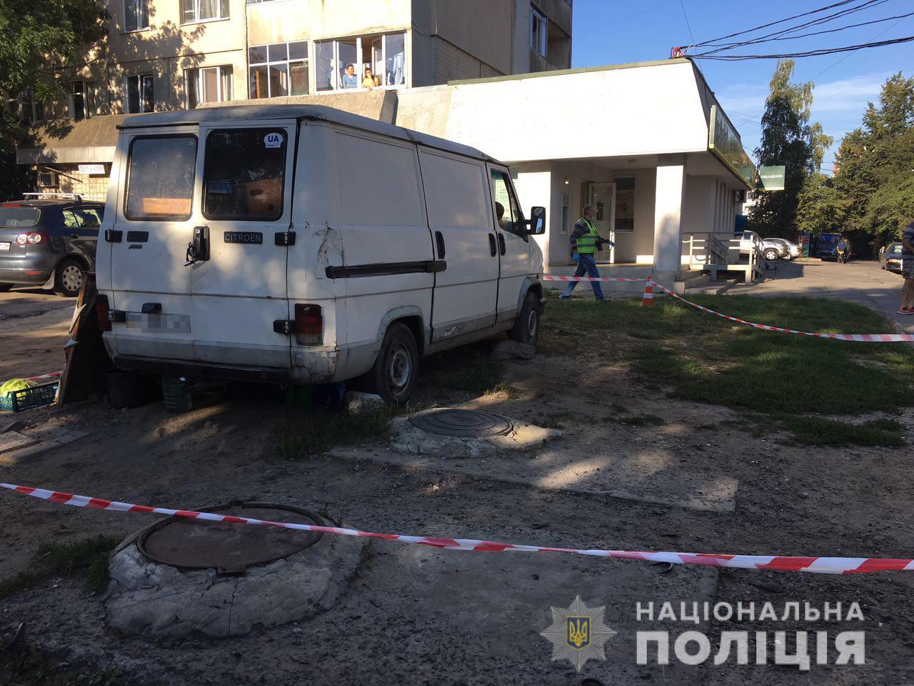 У Львові знайшли труп у фургоні