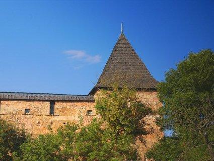 У Луцьку реставрують вежу Чорторийських та монастир єзуїтів