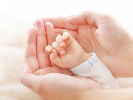 У Кривому Розі горе-мати залишила мертве немовля в місці, де годують бездомних тварин