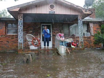 Кількість жертв урагану «Флоренс» зросла до 14. Серед них дитина