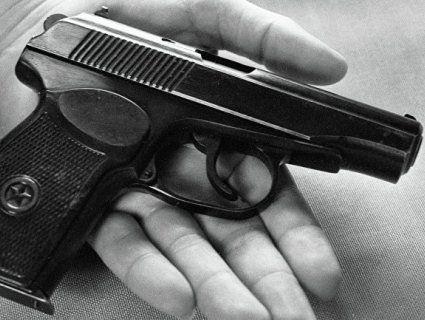 Поліцейського знайшли в кабінеті з простреленою головою