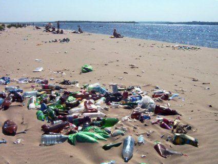 У Криму курортний сезон закінчується трупами та сміттям