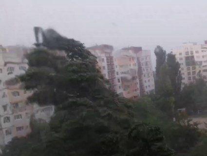 Небезпечний буревій із Заходу просувається вглиб України