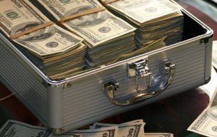 В Одесі віртуозна «Сонька Золота Ручка» поцупила гроші прямо з-під носа у банку