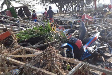 Нищівний землетрус в Індонезії убив понад 380 людей, ще до 600 - поранені
