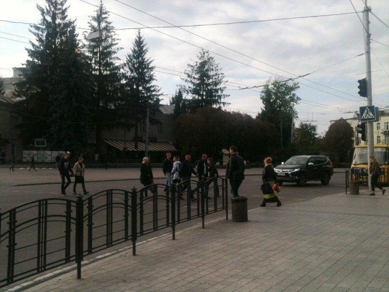 У Луцьку в центрі міста не працюють світлофори фото 3