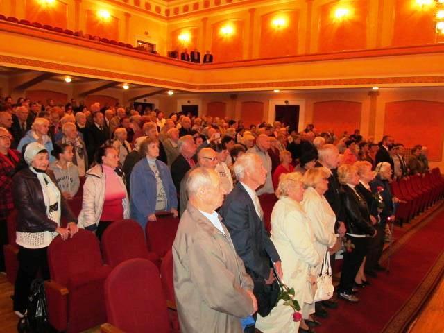 Святковий концерт «Уклін мудрості, досвіду і прожитим рокам» з нагоди Міжнародного дня людей похилого віку та Дня ветерана України у Луцьку