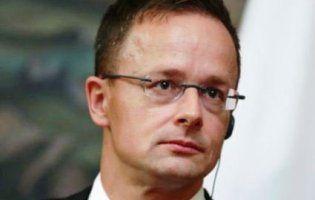 Угорщина висилає консула України та звинувачує Порошенка в ненависті до угорців