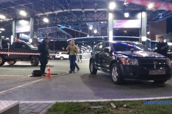 В Одесі впритул обстріляли автомобіль Автомайданівця, є поранені
