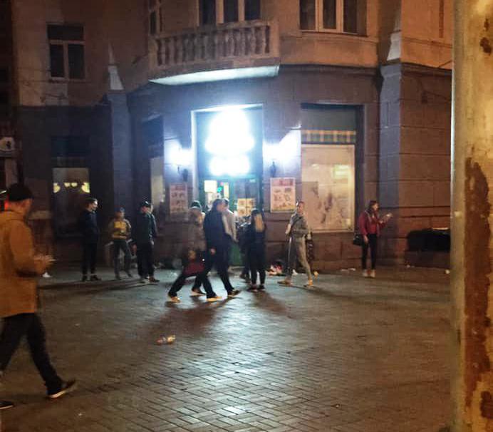 Пограбування у Києві за участі дітей біля метро