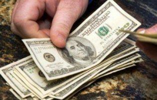 Курс долара розвернувся на 180 градусів: чим викликано зниження американської валюти