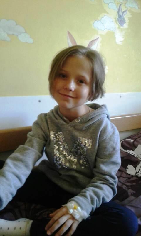 Хвора дівчинка з Любешова Поліна фото 1