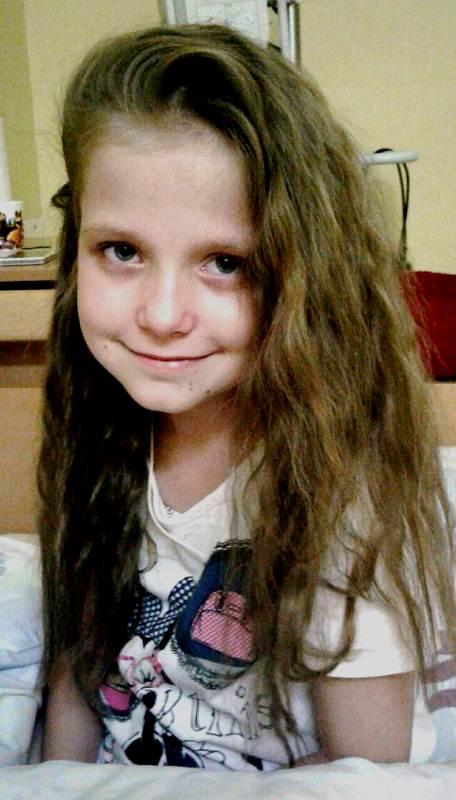 Хвора дівчинка з Любешова Поліна фото 2