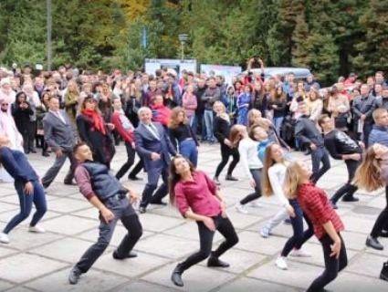 У Вінниці з'явився власний «танцюючий ректор» (відео)