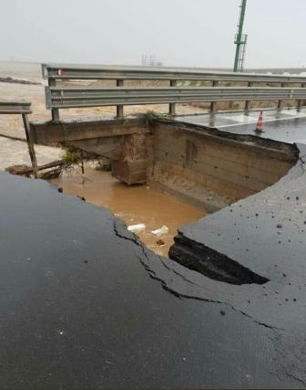 Італія острові Сардинія обвал моста фото 1