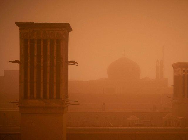На Туреччину насувається пилова хмара фото 1