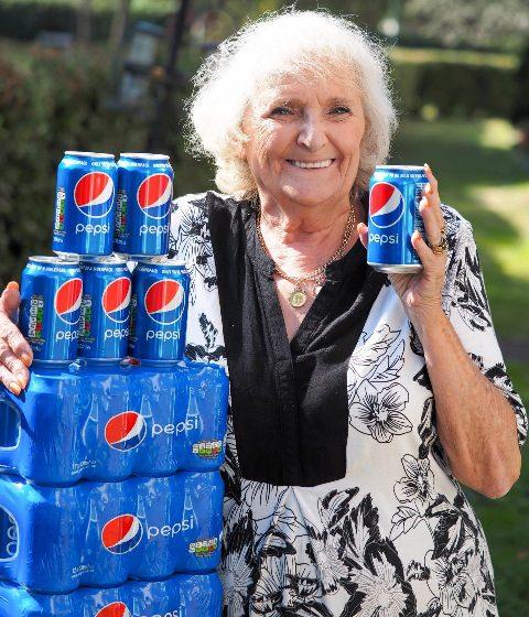 Жінка понад 60 років пила тільки газовану воду