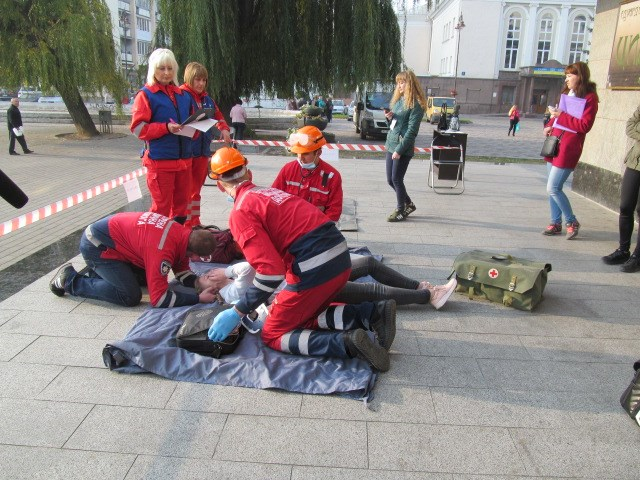 У Луцьку відбулися змагання бригад екстреної медичної допомоги фото 3