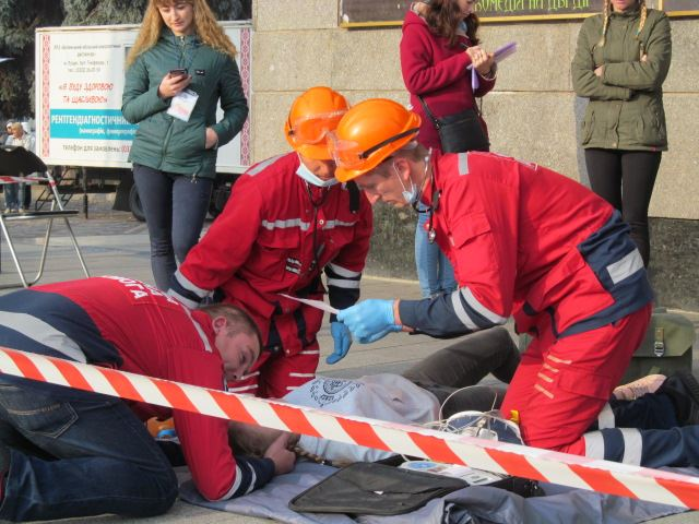 У Луцьку відбулися змагання бригад екстреної медичної допомоги фото 7