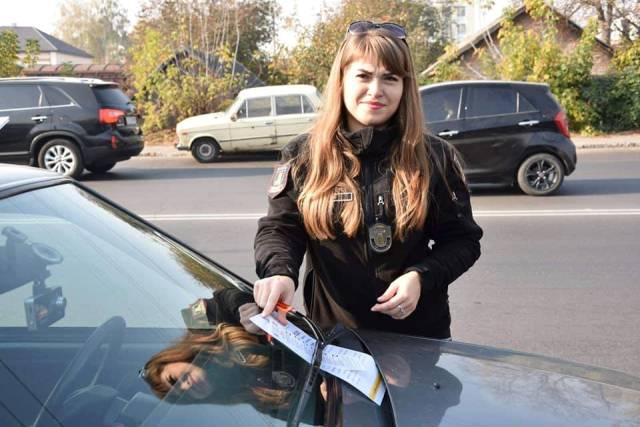 У Луцьку муніципали штрафували за неправильне паркування фото 3