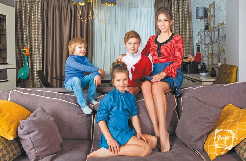 Юлія Барановська з дітьми