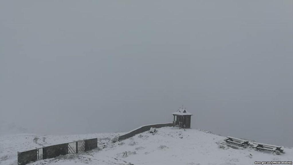 У Карпатах - перший сніг