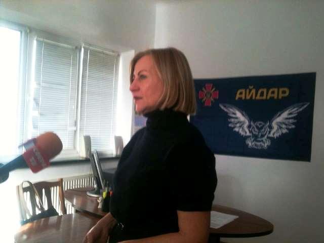 Психолог Олена Звєрєва у Центрі кризової допомоги бійцям АТО у Луцьку