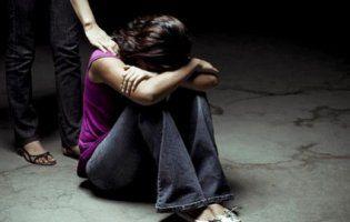 Трьох українок везли в сексрабство до Німеччини: сутенера затримали на кордоні (фото)