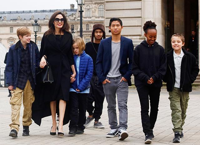 Анджеліни Джолі з дітьми