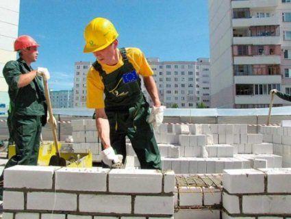 Польща та Німеччина скоро битимуться за українських працівників