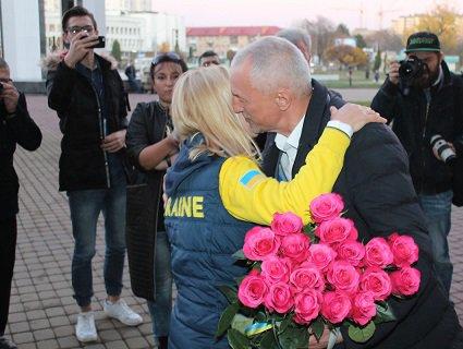 Волинський губернатор зустрів «Нескорену» Майю Москвич: Вітаю на Волині, чемпіонко! (фото, відео)