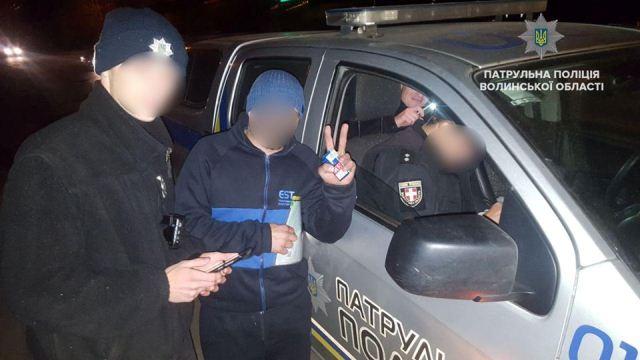 Інспектор Патрульної поліції відмовився брати хабар у Луцьку