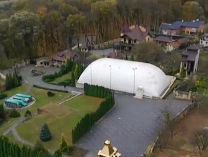 У глави УПЦ Московського патріархату Онуфрія виявили розкішний особняк (відео)