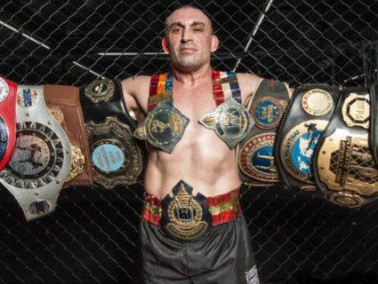 Тайський боксер радів, доки його опонент помирав на рингу (відео)