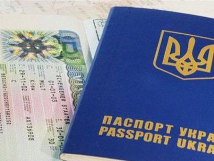 Чи залишаться в Україні фахівці: Польща відмінила робочі візи