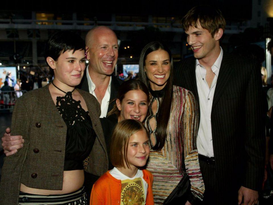Демі Мур з сімєю